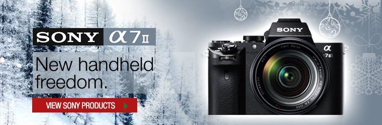 SSONY A7ii with lens � New handheld freedom.